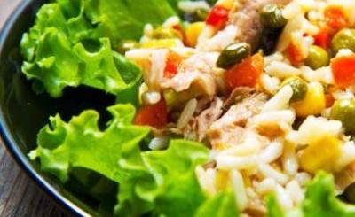salata de ton cu legume si orez