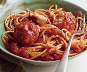 Spaghetti cu chiftele de curcan