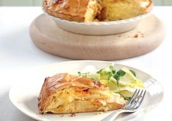 Placinta cu branza, ceapa si cartofi