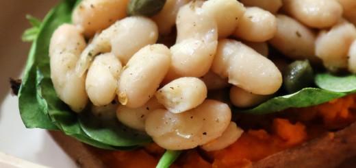 Cartofi dulci cu fasole si spanac
