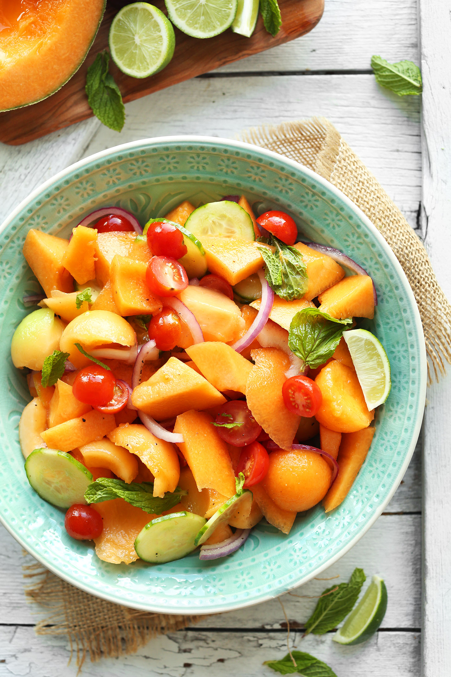 Salata cu rosii si pepene galben