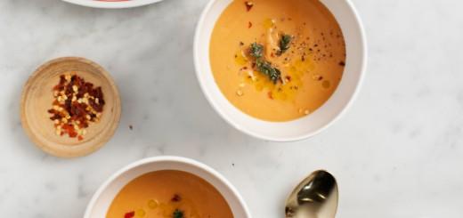 Supa cu naut, rosii si nuca de cocos