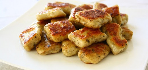Homemade Gnocchi din cartofi si usturoi
