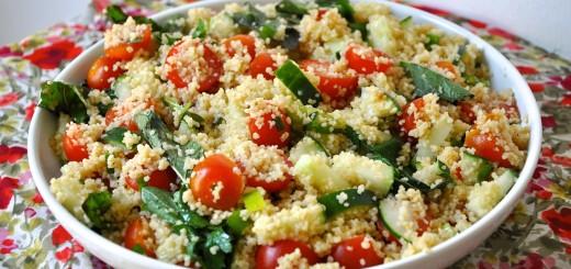 Salata de cuscus cu rosii si castraveti
