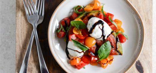 Salata Caprese cu pepene rosu la gratar