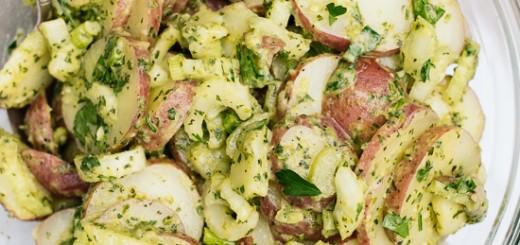 Salata de cartofi cu verdeturi