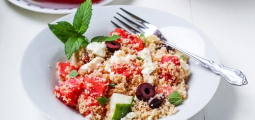 Salata greceasca de cuscus cu pepene si feta