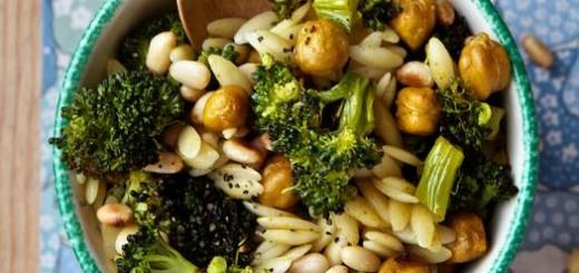 Paste orzo cu broccoli si naut copt
