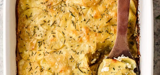 Cartofi frantuzesti cu branza de capra si usturoi