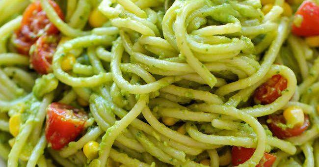 Spagetti cu sos de avocado